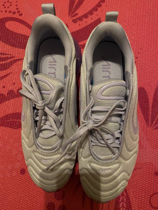 Women's Nike Air Max 720 sz 7.5