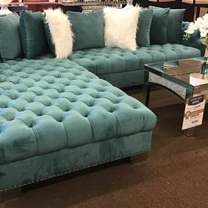 Large Teal Sectional With Extra Large Chaise Lounge for Sale in Victoria, TX
