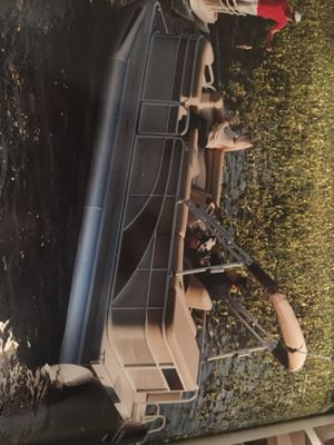 Pontoon Bennington for Sale in Imperial, MO