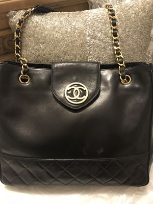 Authentic Chanel handbag for Sale in North Olmsted, OH