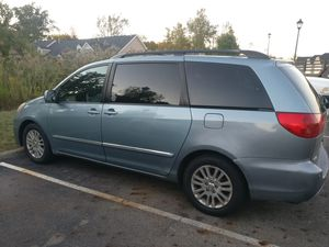 Well maintained 2007 Toyota sienna Limited for Sale in Blacklick, OH