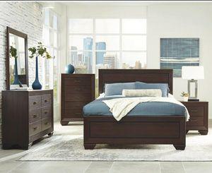 5 pc queen bedroom set 1.Queen bed 1.dresser 1.mirror 1.nighstand 1.chest mattress not included for Sale in Fullerton, CA
