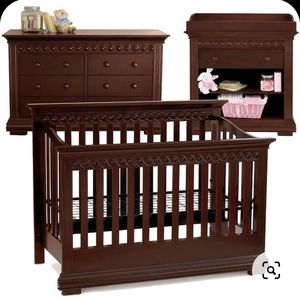 Convertible crib, dresser, changing table set for Sale in Vallejo, CA