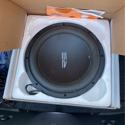 """RE Audio SE 12""""Subwoofer, Kicker 400.1 Amp and All Wires for Sale in Tampa,  FL"""