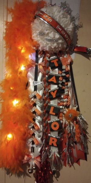 Custom Homecoming Mums & Garters for Sale in Waxahachie, TX