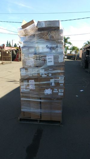 #7 pallet with domestic car/truck parts for Sale in Montclair, CA