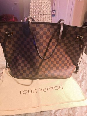 Louis Vuitton MM bag comes with dust bag for Sale in Linfield, PA