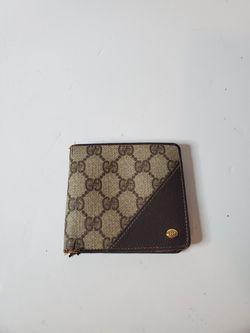 Men's bifold brown wallet GUCCI for Sale in Nashville,  TN