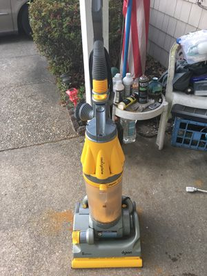 DYSON ROOTCYCLONE VACUUM only 80 firm for Sale in Severn, MD