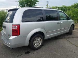 2009 Dodge Grand Caravan SE stow and go seats for Sale in Bridgeport, CT
