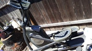 Old school elliptical...FREE for Sale in Modesto, CA