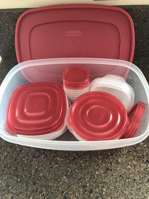 Rubbermaid 34 Piece Storage Containers for Sale in Crownsville, MD