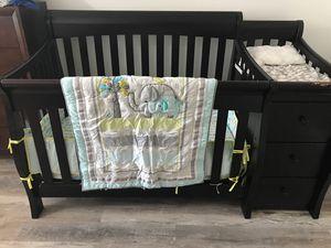 Sorelle crib - Princeton elite crib and changer for Sale in Tampa, FL