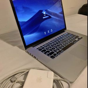 """MacBook Pro 15"""" i7 Late 2012 8gb Ram. 500ssd for Sale in Brooklyn, NY"""