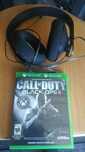 X box Call of duty game and headphones combo for Sale in Victorville, CA
