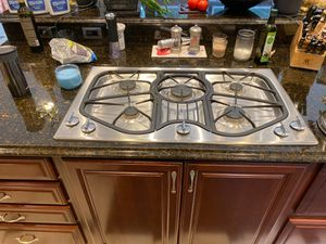 Jenn-Air Stainless Steel Natural Gas Cooktop Jenn Air for Sale in Mukilteo, WA