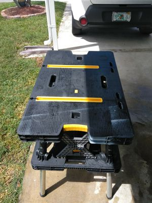 A portable working station excellent shape $30 for Sale in North Fort Myers, FL