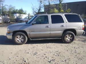 2003 Chevy Tahoe LT 200k miles runs and drives 3rd row!!! for Sale in Marlow Heights, MD