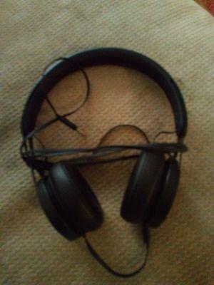 Beats ep headphones black for Sale in St. Petersburg, FL