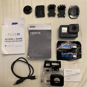 Go Pro Hero 5 with EXTRAS for Sale in Queens, NY