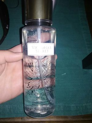 Victoria secret body spray for Sale in Pinetop, AZ