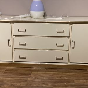 Bedroom Set ( Dresser With Mirror , Wardrobe, Queen Bed And 2 Nightstands) for Sale in Paramus, NJ