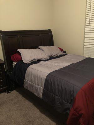 Queen sleigh bedroom set for Sale in Henrico, VA