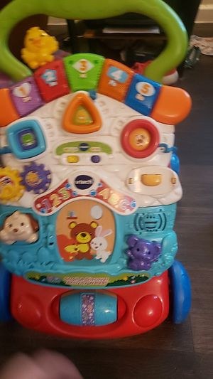 Vtech sit- to- stand,stroll and discover activity walker for Sale in Arlington, TX