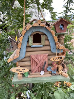 Birdhouse/casita de pájaro for Sale in Los Banos, CA