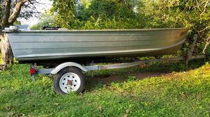 Starcraft 14 foot aluminum boat with calkins trailer for Sale in South River, NJ