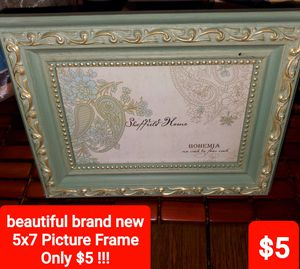 Only $5🌸Beautiful Brand New 5x7 Picture Frame. Only $5 !!! for Sale in Plainfield, IL