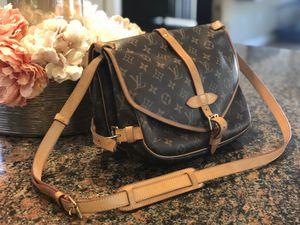 Louis Vuitton Authentic Vintage Saumur Messenger 30 Monogram Shoulder Cross Body Bag for Sale in Las Vegas, NV