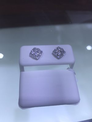 Diamond earrings for Sale in Springfield, VA