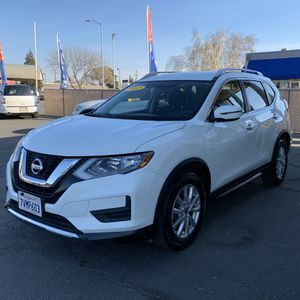 Nissan Rogue 2017 SV for Sale in Manteca, CA
