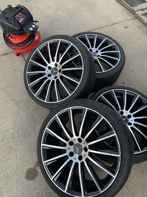 20 inch Mercedes Benz AMG rims for Sale in Lanham, MD