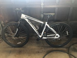 Specialized hard rock mountain bike for Sale in Grove City, PA
