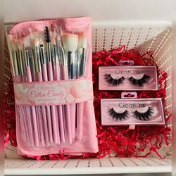 Brush Set With Lashes ✨ for Sale in Buena Park,  CA