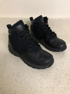 Nike boots size 1.5Y for Sale in Gaithersburg, MD