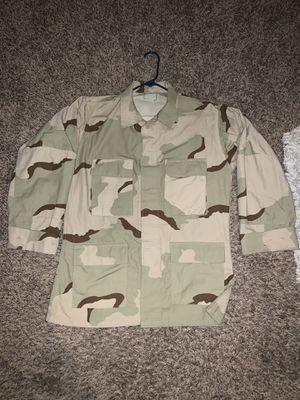 Desert Camouflage Shirt, Size Medium Regular for Sale in Hesperia, CA