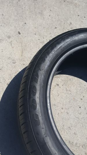 Goodyear 225-50R18 set of run flat 70-75% tread for Sale in Lemon Grove, CA