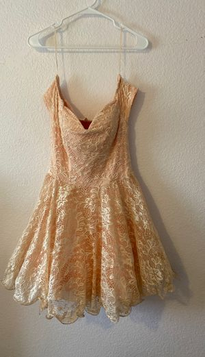 Peach Lace Dress - Windsor (size large) for Sale in Rancho Cucamonga, CA