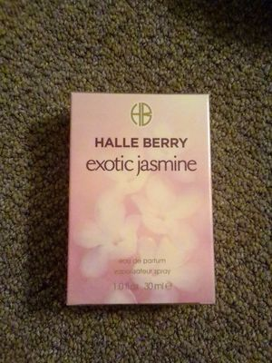 Halle berry perfume exotic Jasmine for Sale in Long Beach, CA