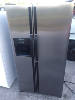 Refrigerator Stanley steel Frigidaire 36x69 for Sale in West Palm Beach, FL