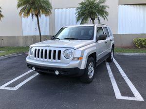 2013 jeep patriot for Sale in Miami, FL
