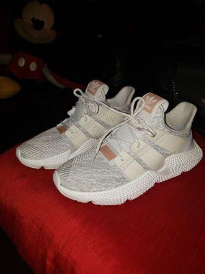 Adidas Women size 7 like New$45 for Sale in Oak Forest, IL