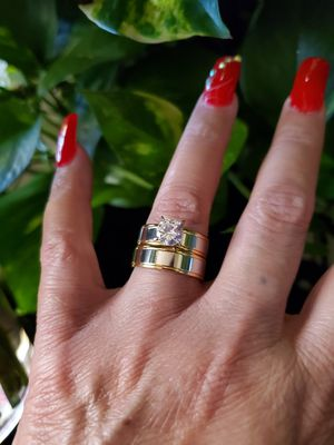 Womans Stainless steel engagement ring set size 7 for Sale in Los Angeles, CA