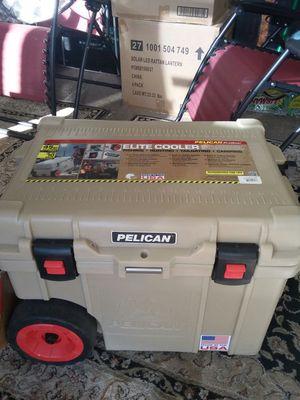 Pelican progear. Elite cooler for Sale in Phoenix, AZ