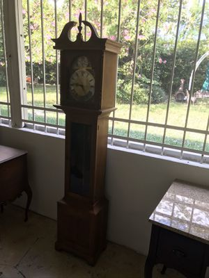 Antique clock for Sale in Miami, FL