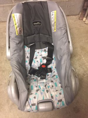 Evenflo car seat for Sale in Hope Mills, NC