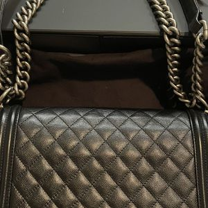 Chanel Medium Quilted Boy Bag for Sale in Los Angeles, CA